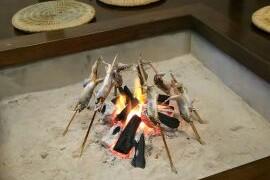 鮎の炭火焼きです。